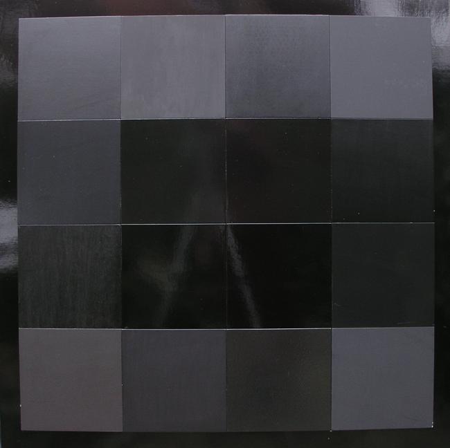 Zwart Werk,16 soorten zwarte verf op MDF en triplex, 1x1m